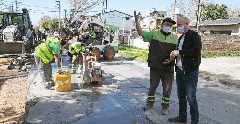 Renovacion calle uruguay barrio crisol limpieza conducto