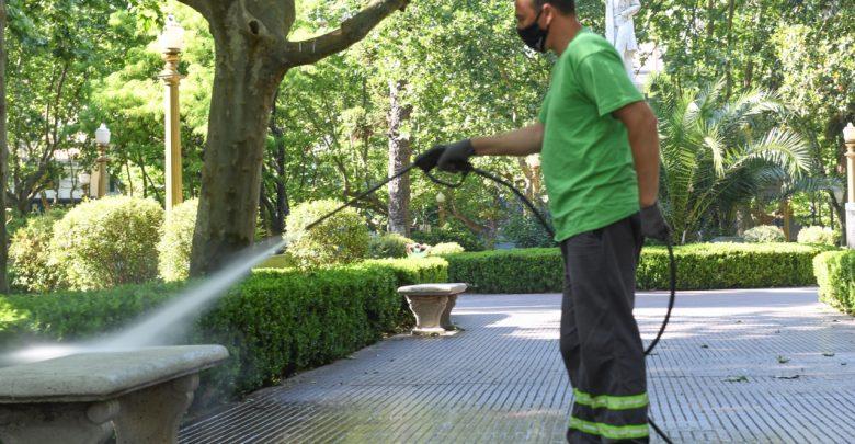 Arreglos y mantenimiento en las plazas