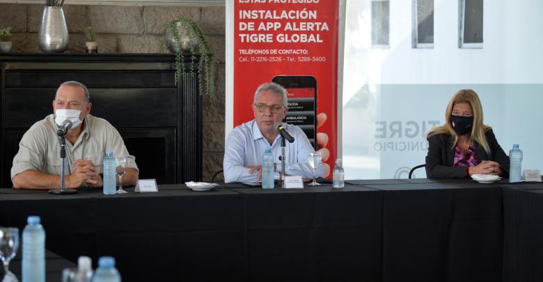 Sergio Berni, Luis Zamora y Ximena Guzmán