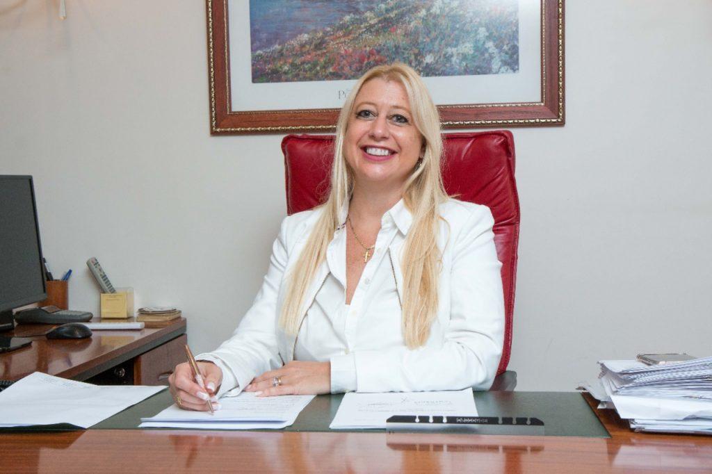 Mart. Paula L. Mendez