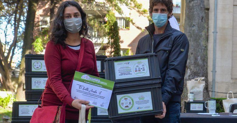 La entrega de diplomas del taller online de compostaje