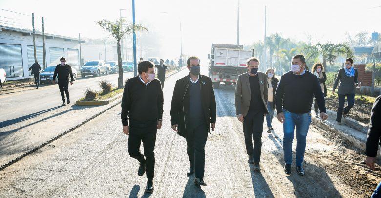 Ariel Sujarchuk, con los ministros Katopodis, Arroyo y Simone