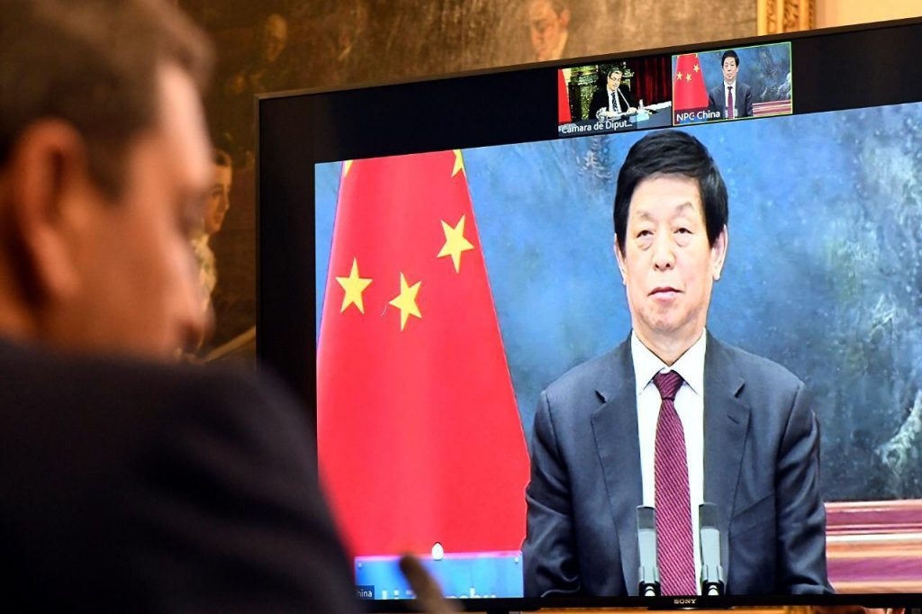 Sergio Massa en videoconferencia con Li Zhanshu