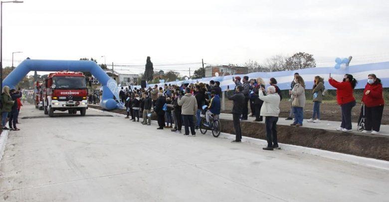 Momento de la apertura de la nueva calle en San Miguel