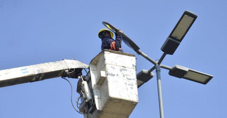 Colocación de nuevas luminarias LED