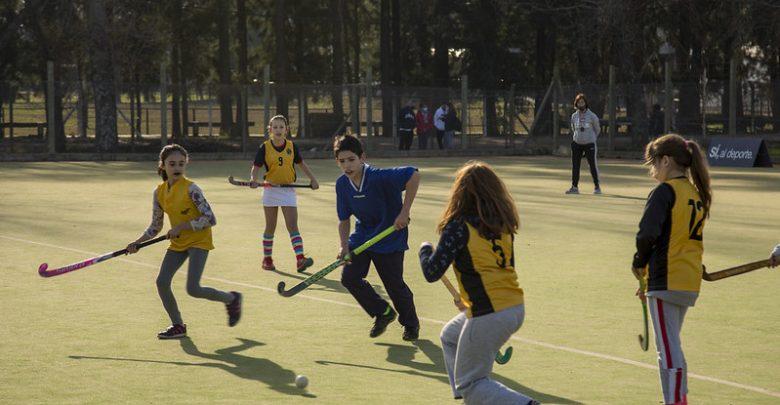Actividades deportivas en los campos municipales