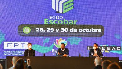 Ariel Sujarchuk junto a los ministros Juan Cabandié y Augusto Costa